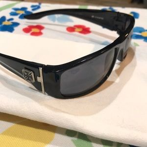 Riding glasses wrap style